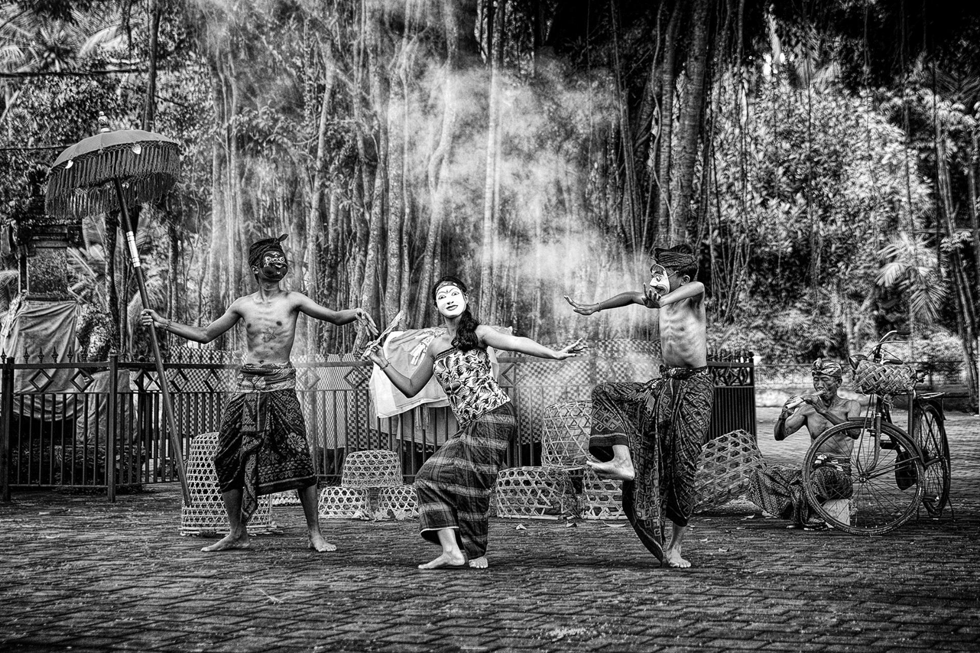 PSA HM Ribbons - Raymond Seh-Guan Goh (Singapore) <br /> Masked Bali Dancer