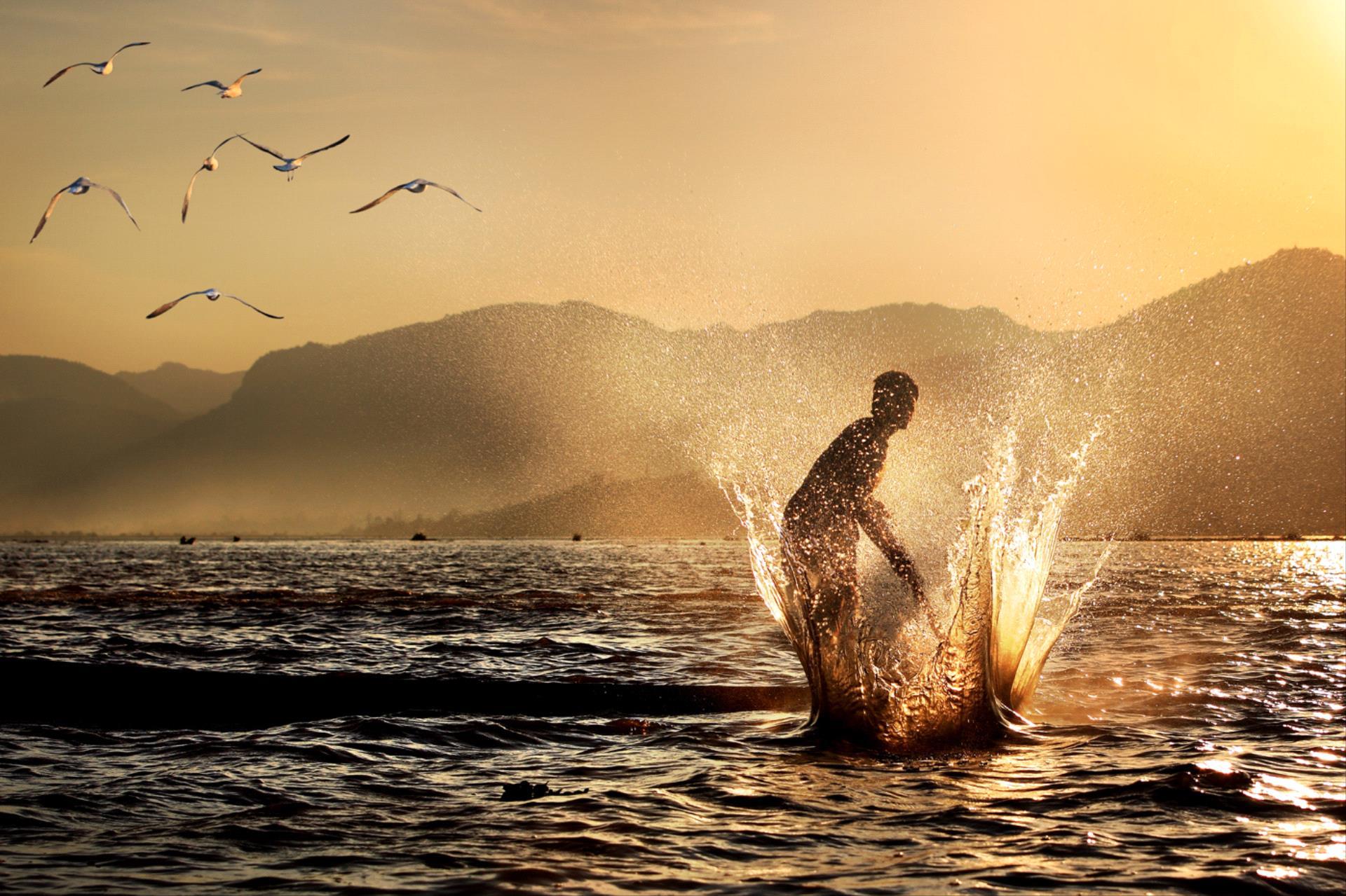 PhotoVivo Bronze Medal - Seng Huat Phua (Malaysia)  Fishing At Dawn