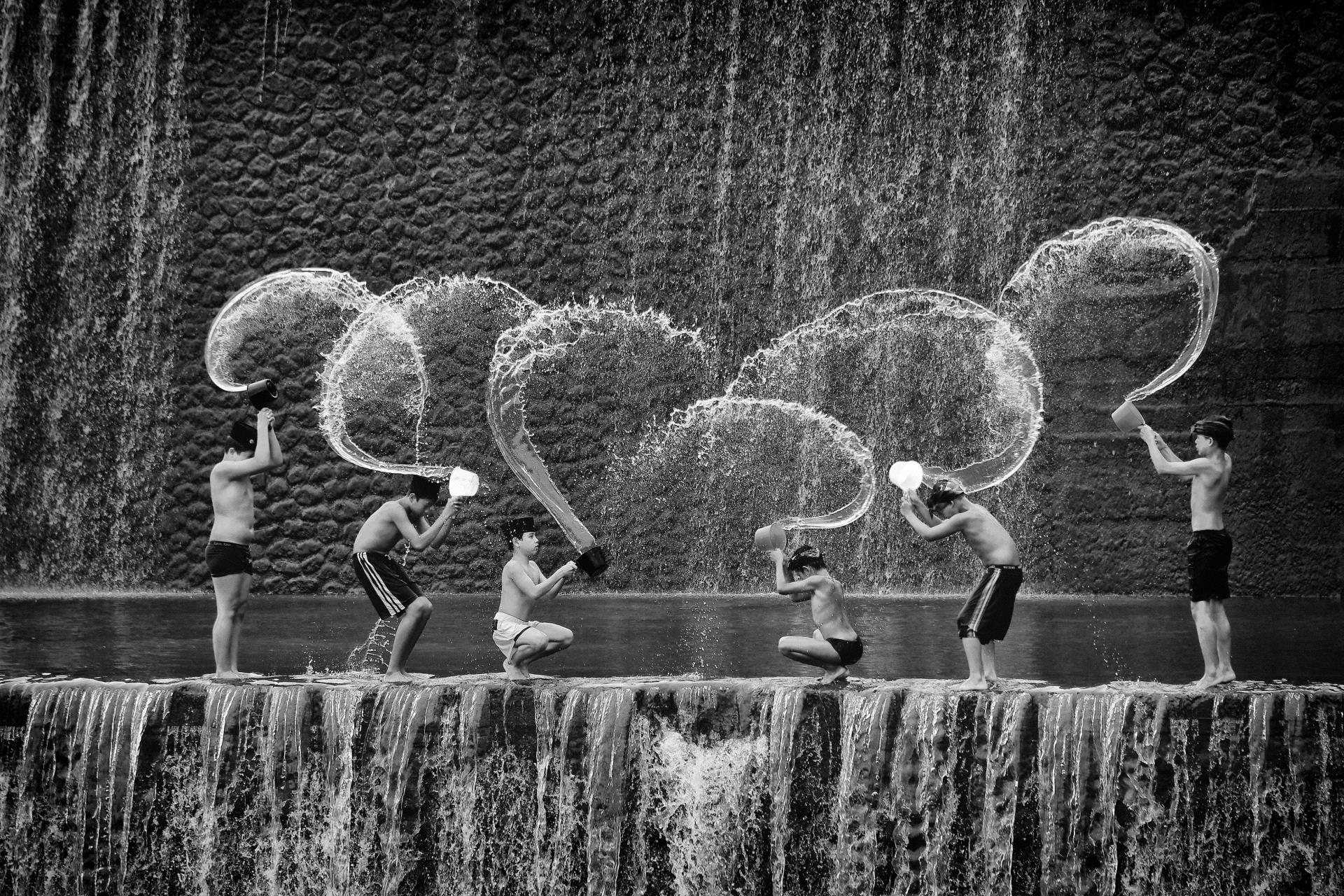 IUP HM - Lee-Eng Tan (Singapore)  Play Water