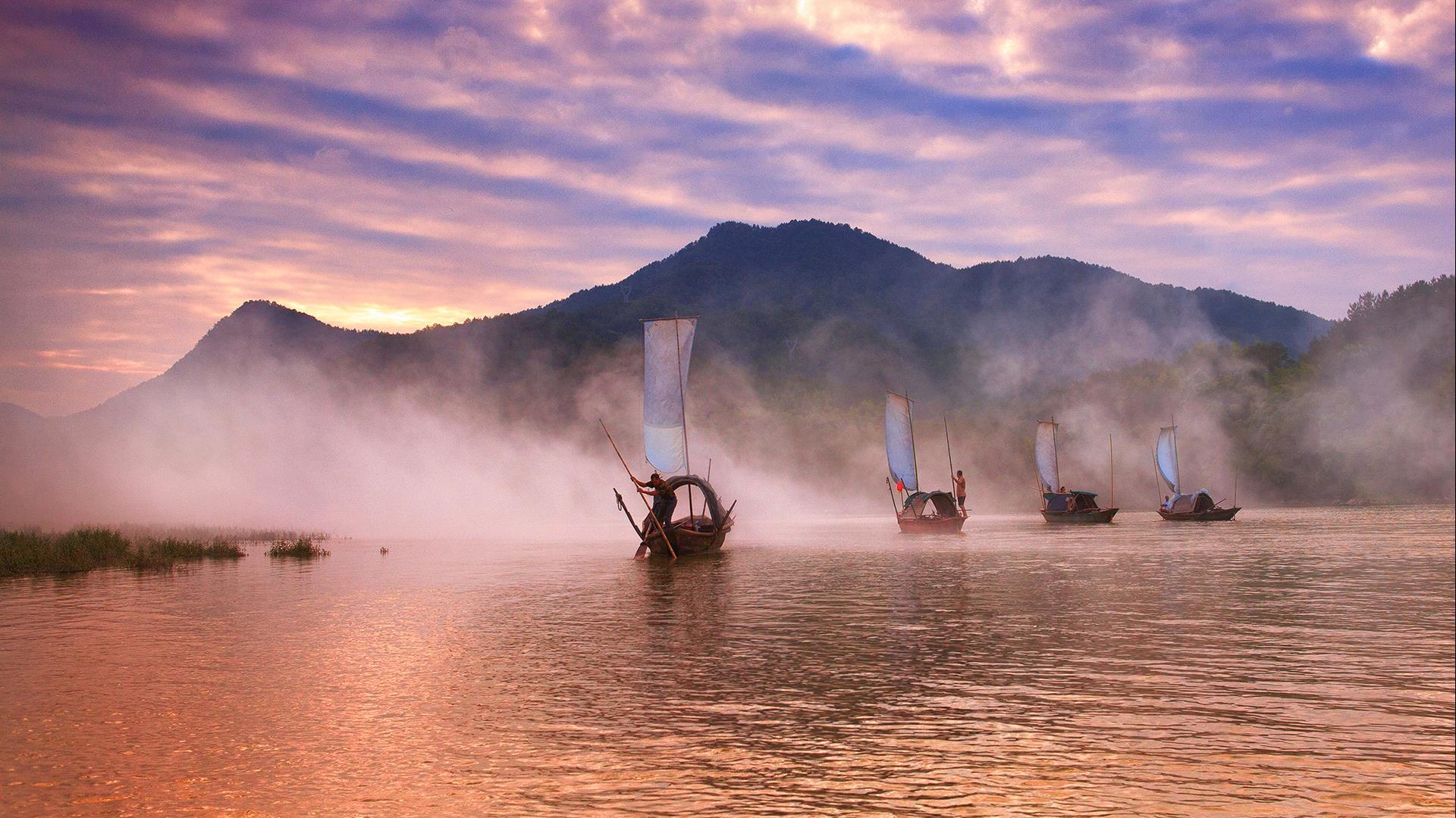 DIPA Merit Award - Hong Li (China)  Starting Sailing