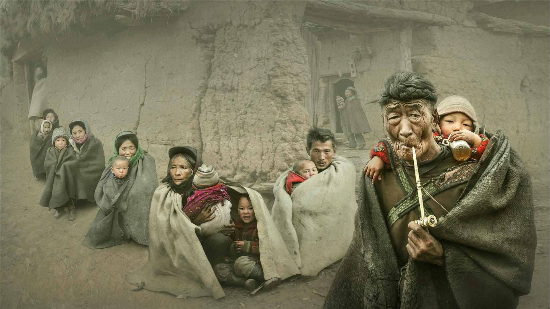 RPS Gold Medal - Ruiyuan Chen (China)  Yi Nationality People1
