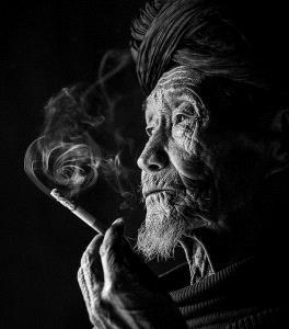 DIPC Silver Medal - Weidong Zhong (China) <br /> Old Tobacco Chamber