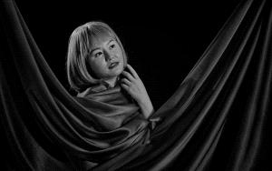 PhotoVivo Silver Medal - Tew-Hua Voo (Singapore)  Lixin Red Wrapped Bw