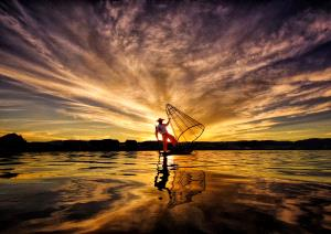 PhotoVivo Honor Mention e-certificate - Pui-Chung Yee (Singapore)  Inle Fisherman Sunset